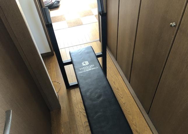 自宅トレーニング器具のフラットベンチ
